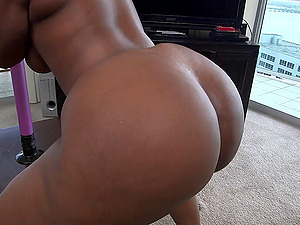 Dark-hued With Big Black Butt Providing Her Horny Boy Bj