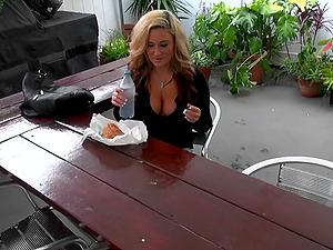 Emma Lynn Ball Slurping And Providing Fat Man sausage A Xxx Oral job