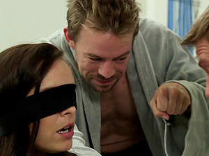 Liza Del Sierra permits a dude to drill her taut asshole