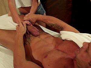Cassandra Nix favours a boy with a fantastic handjob