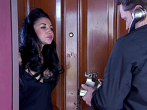 Audrey Bitoni gives a good blow-job and fucks her man in cowgirl pose