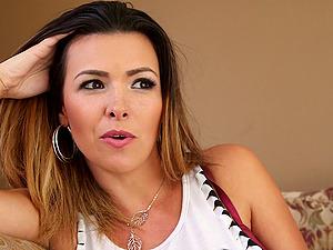 Danica Dillion milks jizz-shotgun outside and gets popshot on mouth