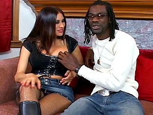 A dangled black boy busts a mature stunners bootie broad open with his big man rod