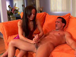 Gonzo handjob flick with charming Latina Simone Style