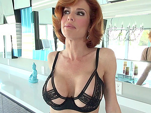 Immaculate sandy-haired cougar with a hairless labia providing a deepthroat blowage after getting finger-tickled