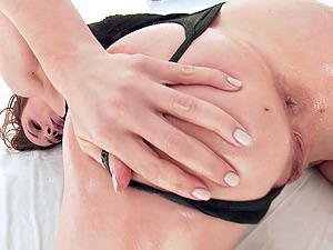 Porn industry star Chanel Preston luvs big shaft ass fucking romp outdoors