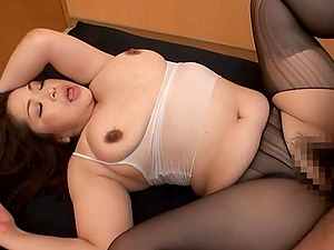 Mature Japanese loves a pulsing shaft deep in her cunt