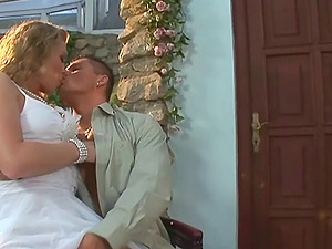 Hot blonde with nice big tits sucking a stranger's man rod