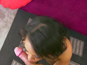 Lustful black whore deepthroats off a lengthy pulsating manstick