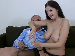 Dark-haired luvs an old mans dick in her hairless cunt