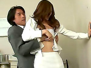 Pissed off Japanese chief fuck her lovely assistant