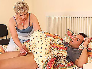 A doll caught her mummy and spouse fucking in the bedroom