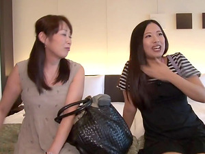 See two stunning Japanese lesbos love a soapy bath