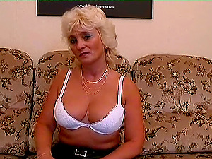 Lustful granny still has a high hookup drive and a cock-squeezing cunt