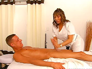 Nasty masseuse tempts her customer and has a fuck with him
