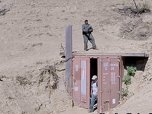 Border patrol agents capture a hot chick and fuck her brains out