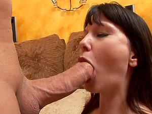The prize for her excellent blow-job is a goopy hot jizz surprise