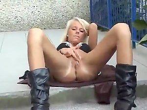 See this homemade vid containing hot blonde masturbating on her porch
