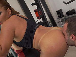 Workout honies wants to finish with a bit of anal invasion cardio