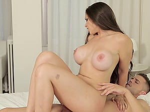 Faux tits glamour chick with a thick butt loves banging