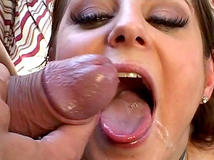 Adorable blonde receives a dual invasion in an orgasmic threesome