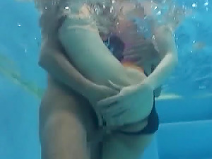 Fucking a Japanese swimsuit stunner in the pool