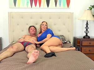 Curvy Amber Lynn Bach in a live make-out scene