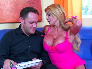 Housewife Taylor Wane Gigantic Boobies Fucked By Statistics Man