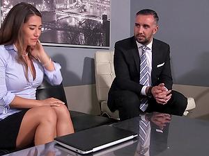 Sultry fuckslut Eva Lovia tied up for hot restrain bondage bang-out