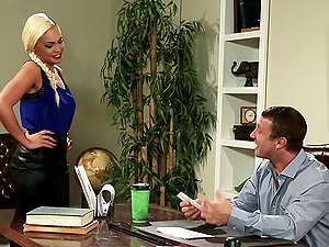 Assistant stunner Selena gets on the desk for his dick