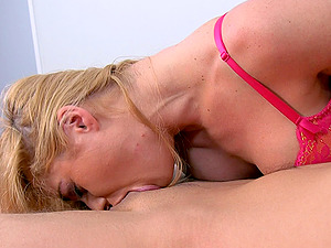 Cathy Heaven brings her hot bod to a excellent fuck scene