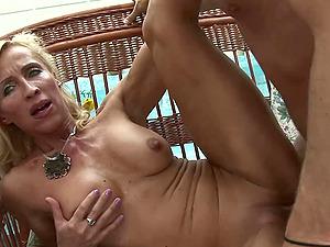 Blonde Mature Melissa Q Sucking And Fucking Youthful Dick