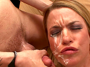 Blonde Mature Jessie Fontana Receives Good Morning Fuck