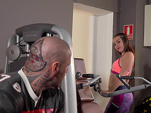 Crazily tattooed muscular man fucking bi-otches in the gym