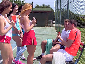 These superb-looking chicks are having an orgy on the tennis court!
