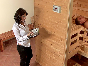 Magnetic stunner lets the sauna man come in her vaginal insides