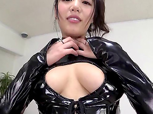 Hot Japanese chick in leather costume receives the twat eating