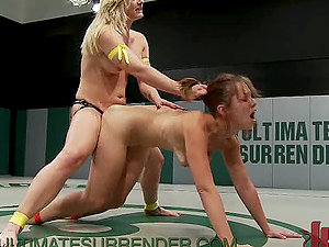 Gorgeous Wrestlers Fighting to Have Rough Strapon Hookup