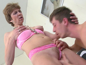 Petra is a short-haired Dutch honey who knows how to rail the penis