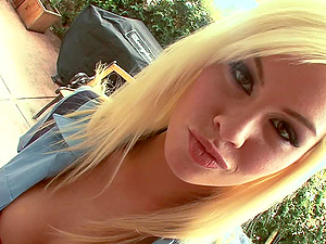 Blonde throats the jizz-shotgun that slips into her whorey vagina