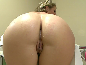 Huge-chested blonde minx gets screwed during a gynecologist examination