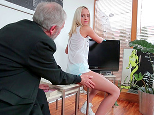 Lucky geezer is fairly blessed to bang the cootchie of this blonde cutie