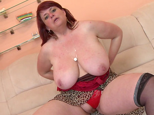 Fledgling mature shoot of dame munching her big tits
