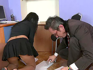 Chesty dark haired honey Jenny rails that old fart