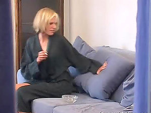 Sexy blonde Cathy is dildating herself after douche