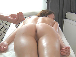 Sexy Polina knows what's in store for her after the voluptuous rubdown