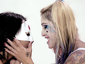 Two hot cosplayers Asa and Kleio slurp each other's moist muffs