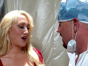 There's nothing that this blonde Mummy wants more than the dick!