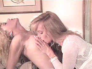Bored blondes like experiencing each other's pulsating clitties