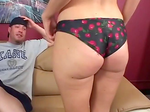 Hunk with a baseball hat gets lucky with horny Sophie Dee